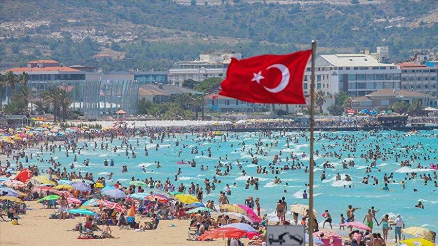 Tatil bölgelerinde yoğunluk artıyor