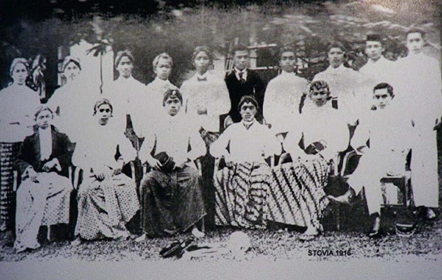 Budi Utamo üyelerinin yer aldığı bir fotoğraf.