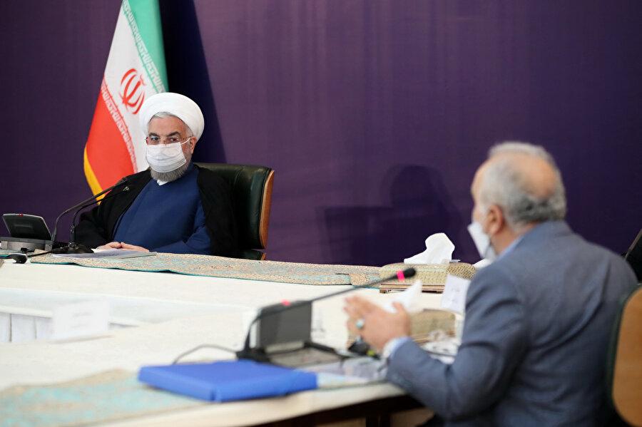 Ruhani hükümeti meclis tarafından dayatılan nükleer faaliyet yasasını uluslararası arenada tepki almamak adına uygulamak istememişti.