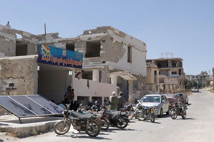 Ebu Nokta, rejim ordusunun Dera el-Beled Mahallesi'ne Nahla, Kasad ve Kubbe olmak üzere 3 eksenden giriş yapmaya çalıştığını kaydetti.