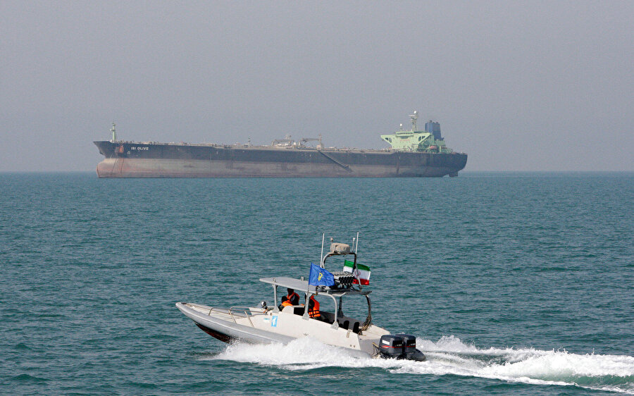 İran Dışişleri Bakanlığı Sözcüsü Said Hatibzade açıklamasında ayrıca İran'ın her koşulda milli güvenliğini tehdit eden durumlara karşı teyakkuzda olduğunu belirtti.