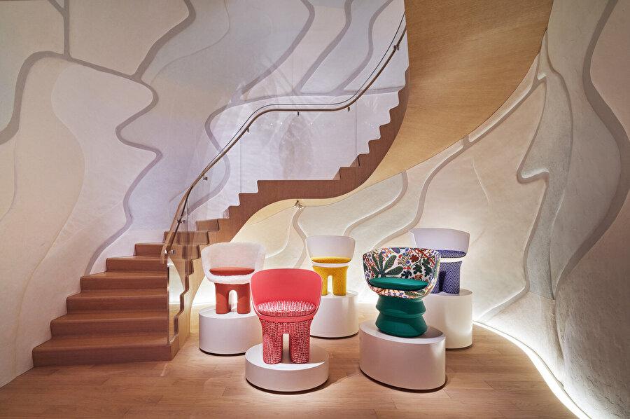 Kimiko Fujimura'nın eserinden esinlenilerek tasarlanan sirkülasyon alanı.