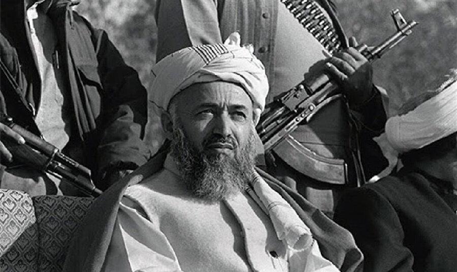 Kuzey İttifakı'nın liderliğini, 1992-1996 arasında Afganistan cumhurbaşkanlığı yapan Burhaneddin Rabbani yürütüyordu.