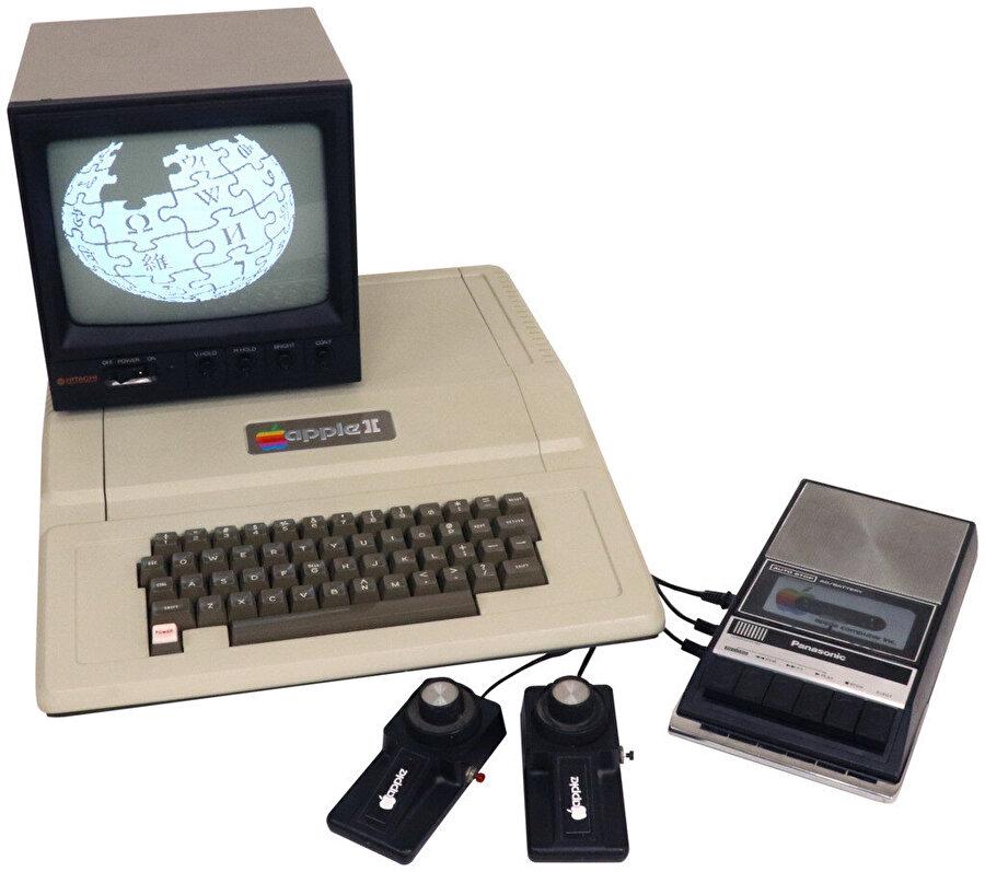 İlk renkli bilgisayar; Apple II.