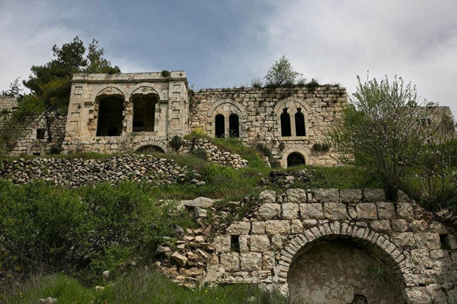 Nekbe'ye tanıklık eden tarihi yapılar.