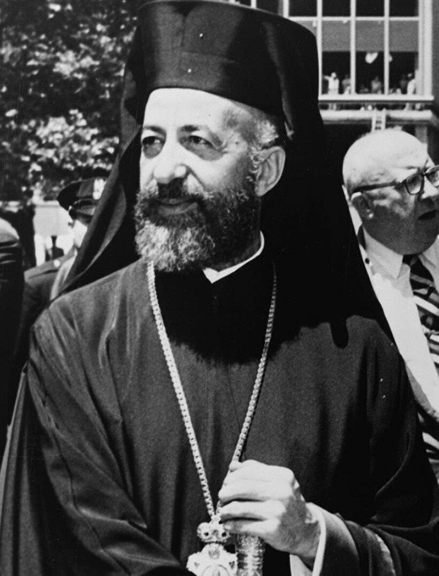 Kıbrıs Ortodoks Kilisesi başpiskoposu III. Makarios.