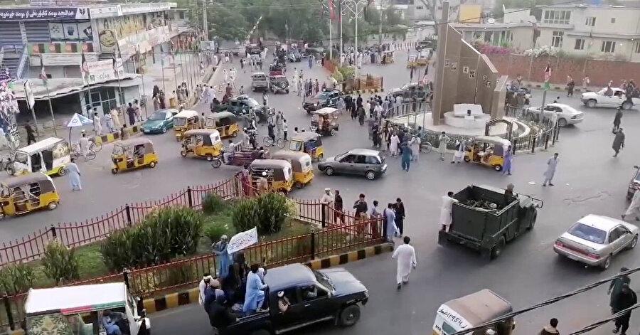 Taliban'ın Afganistan'ın başkenti Kabil'e girişi.