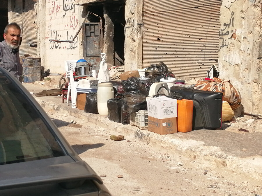 Rejim, 3 yıl aranın ardından merkezdeki Dera el-Beled Mahallesi'ni Rusya'nın desteğiyle tam kontrolüne almak için harekete geçti.