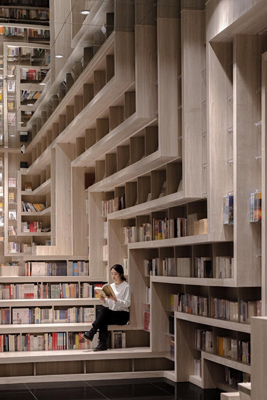 Taiyuan FAB Sineması, IF Center'ın beşinci katında bulunuyor.