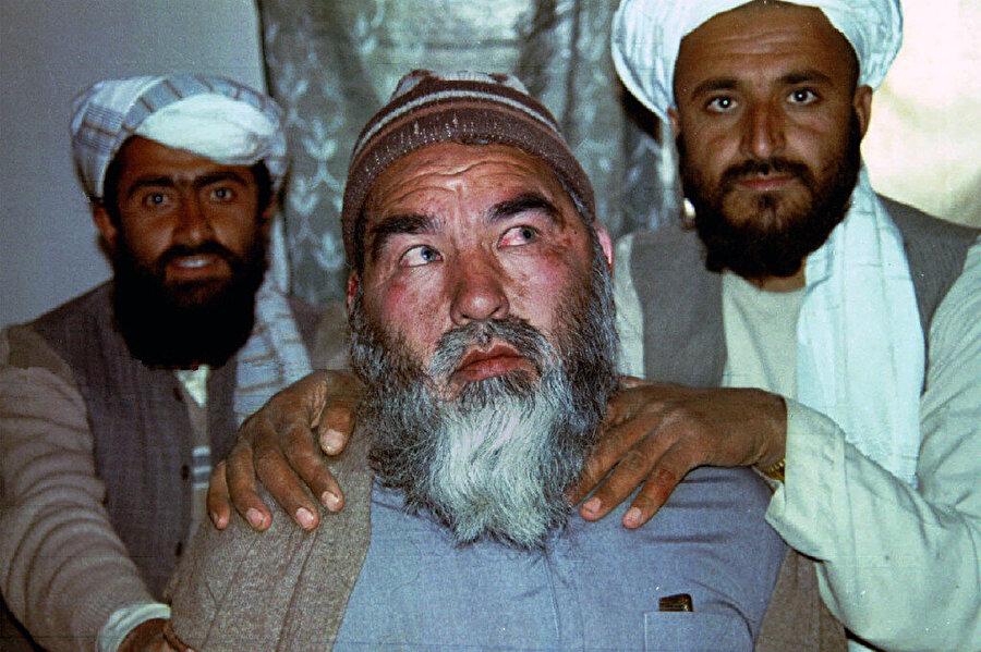 Abdul Ali Mezari, 13 Mart 1995'te Taliban militanları tarafından öldürüldü.