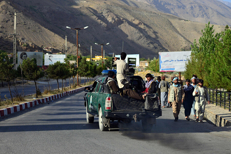 Pencşir vilayeti sarp dağlarıyla askeri açıdan ele geçirilmesi zor bir bölge olarak nitelendiriliyor.