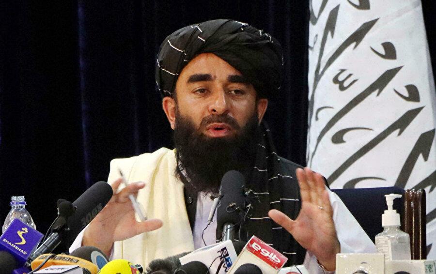 Taliban Sözcüsü Zabibullah Mücahid tahliyelerin zamanında bitirilmesi konusunda ABD'yi uyardı.