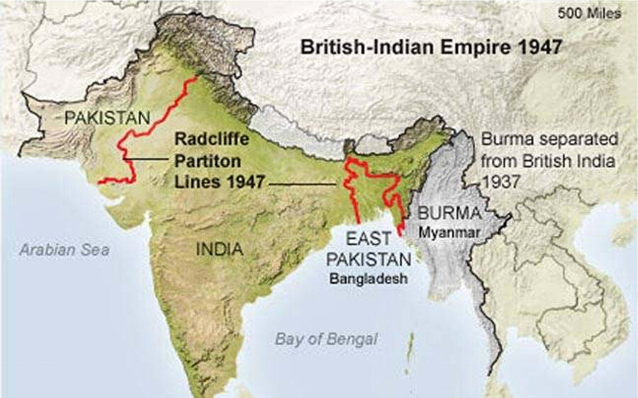 Masa üstünde çizilmiş Radcliffe Hattı'nın harita üzerinde görüntüsü.