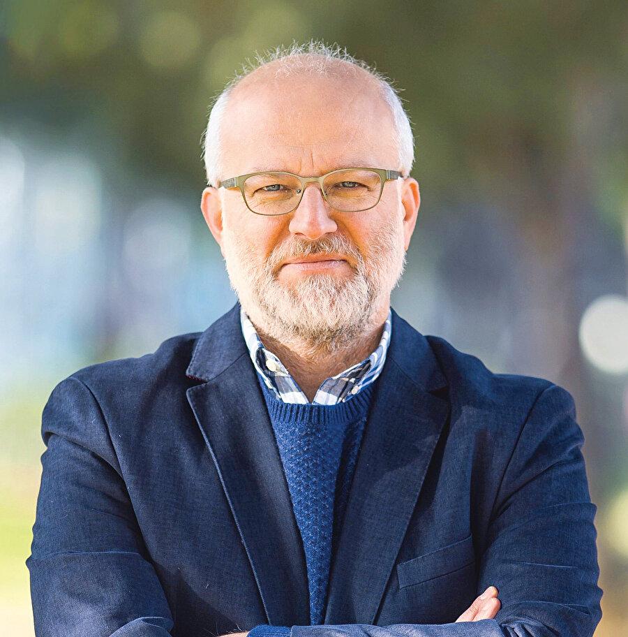 Psikiyatrist Kemal Sayar