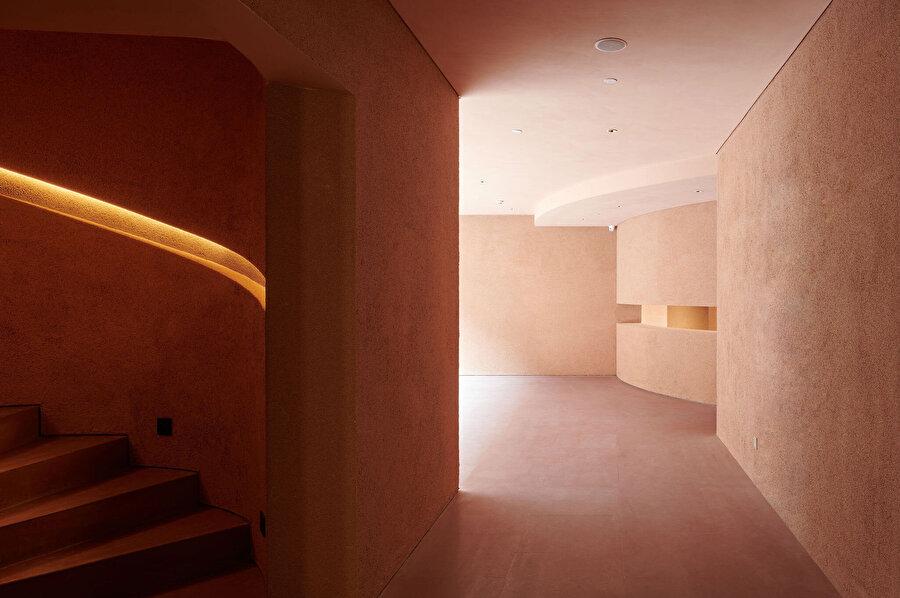 Fuzhou Çay Evi, bir kayanın üzerine yerleşen ev formunda tasarlanıyor.