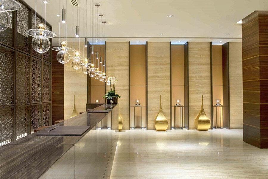 Mobilyaların çoğu Midek Mingü Mimarlık tarafından tasarlanarak özel olarak imal ettiriliyor.