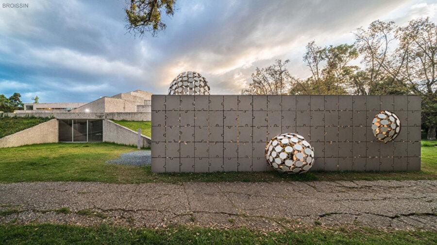 Egaligilo Pavyonu, geçici yapıların geri dönüşümü hakkında farkındalık oluşturmayı amaçlıyor.