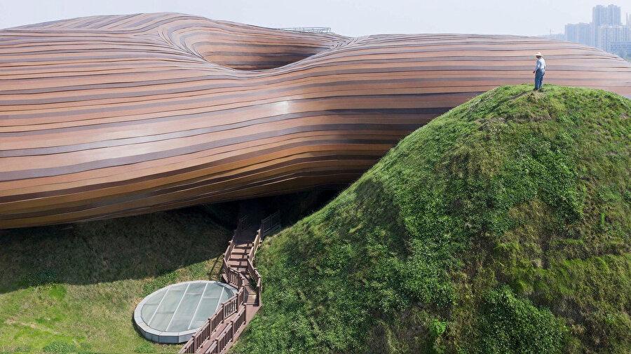 Müze çevresinde birçok farklı deneyim noktası barındırıyor.