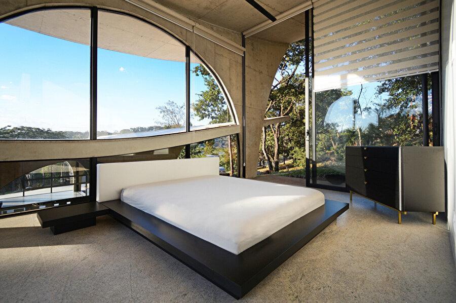 Projede her oda, kendine özel bir banyo ve kış bahçesine sahip.