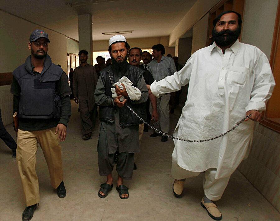 2010 yılında Pakistan istihbaratı ile CIA'in ortak operasyonu neticesinde Pakistan'ın Karaçi kentinde tutuklanan Molla Birader, bugün Afganistan'da kurulacak geçici hükümetin en önemli isimlerinden.