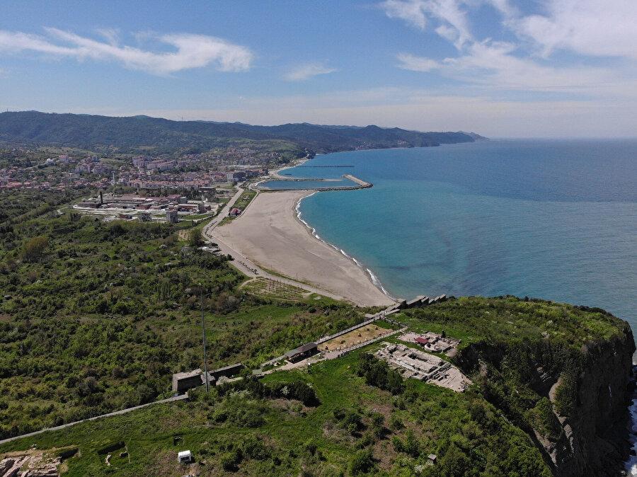 Filyos Kalesi ve antik kent.