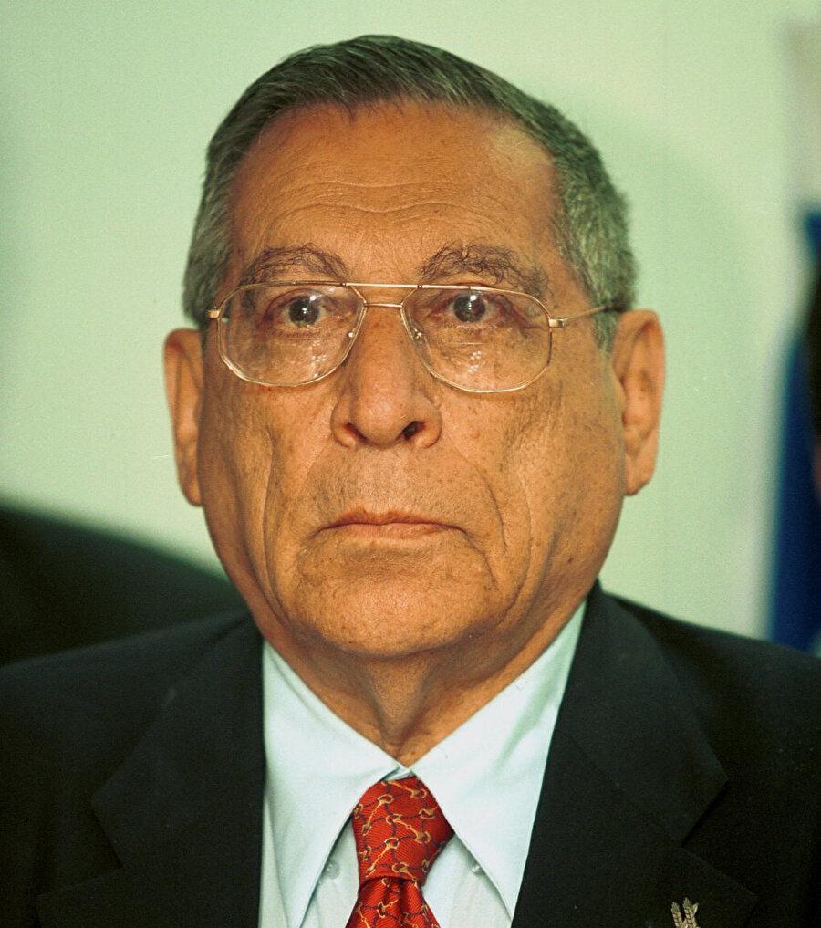 17 Ekim 2001'de, İsrail Turizm Bakanı Rehavam Zeevi, Filistin Halk Kurtuluş Cephesi tarafından Kudüs'te öldürüldü. Zeevi, Kudüs 1967'de İsrail tarafından işgal edildiğinde, Mescid-i Aksâ'ya giren İsrailli generallerden biriydi.
