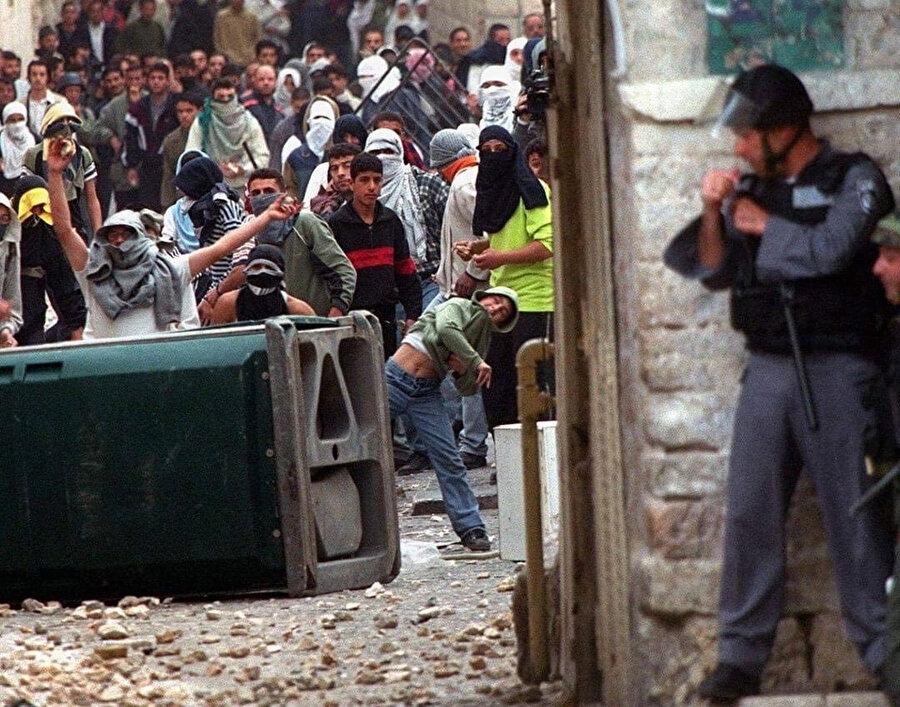 İkinci İntifada'nın sembol fotoğraflarından biri.