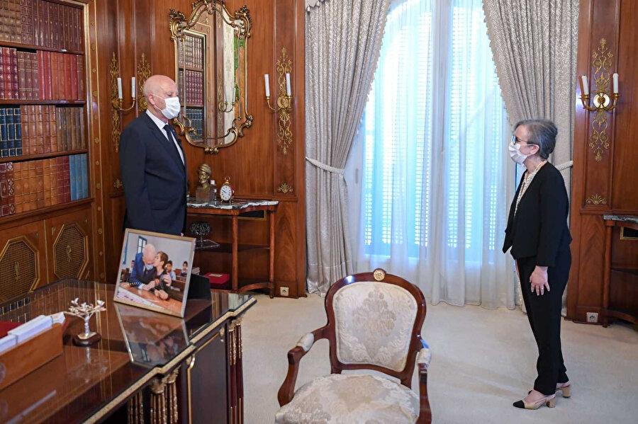 Tunus Cumhurbaşkanı Kays Said ve hükümeti kurmakla görevlendirdiği Necla Buden Ramazan.