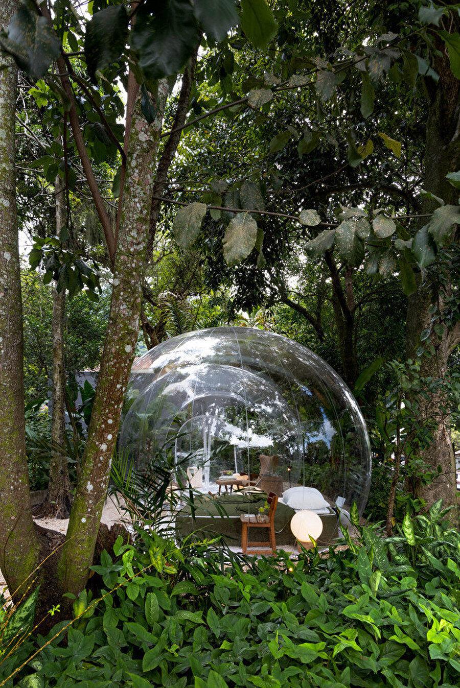 Şeffaf baloncuklar 360° görüş sağlıyor.