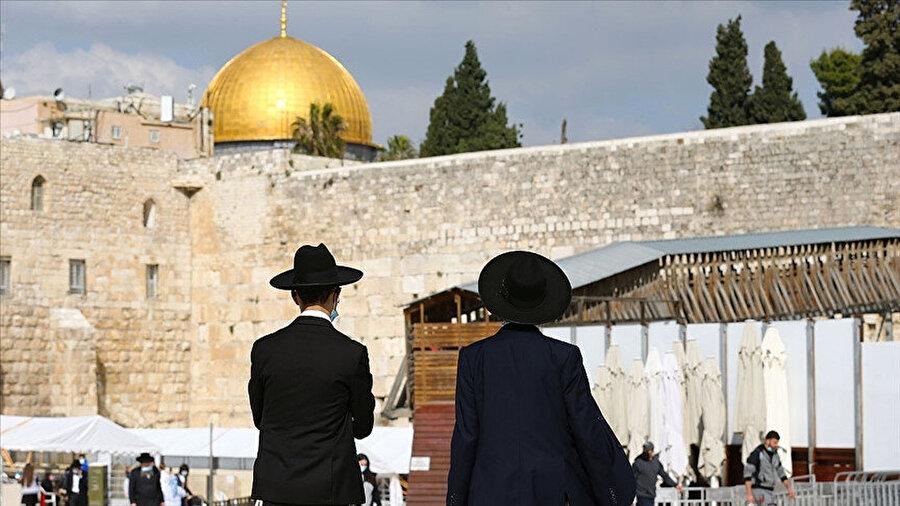 Yahudilerin Mescid-i Aksa'da sessizce ibadet edebileceğine dair karar Kudüs'teki İsrail Sulh Mahkemesi tarafından açıklandı.