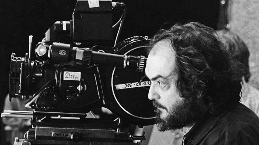 60 yıllık kariyerine özgün sinema tekniğini yansıtan pek çok film sığdırdı Stanley Kubrick,