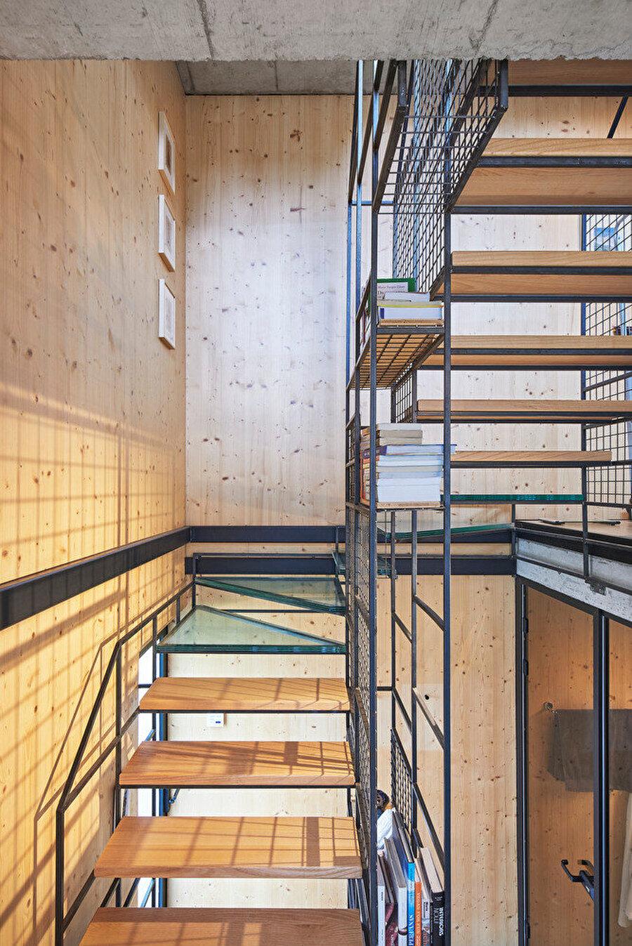 Fonksiyonel olarak kullanılan merdiven tasarımı.