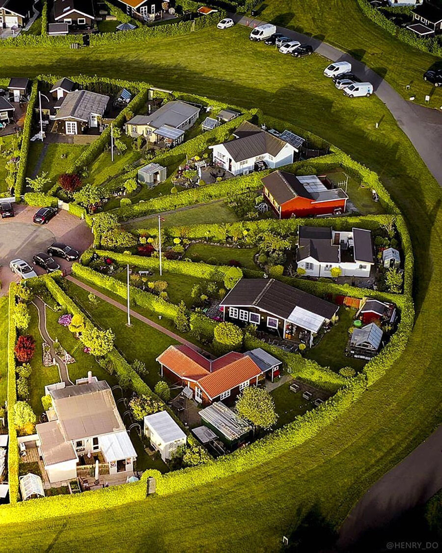 Danimarka, Brøndby Garden City, her biri 50 m²lik alandan oluşan evler.