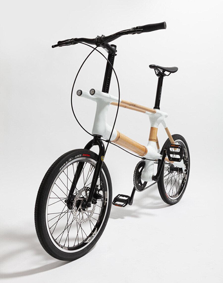 Tasarımda işlevine göre farklı kalınlıklarda bambu kullanılıyor.