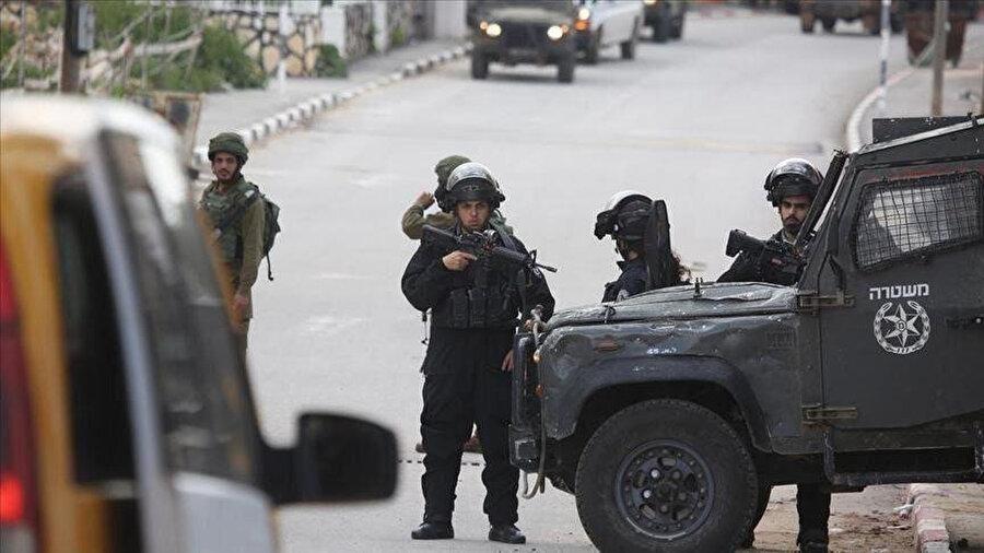 Filistin kentlerindeki baskı ve gözaltılar devam ediyor.