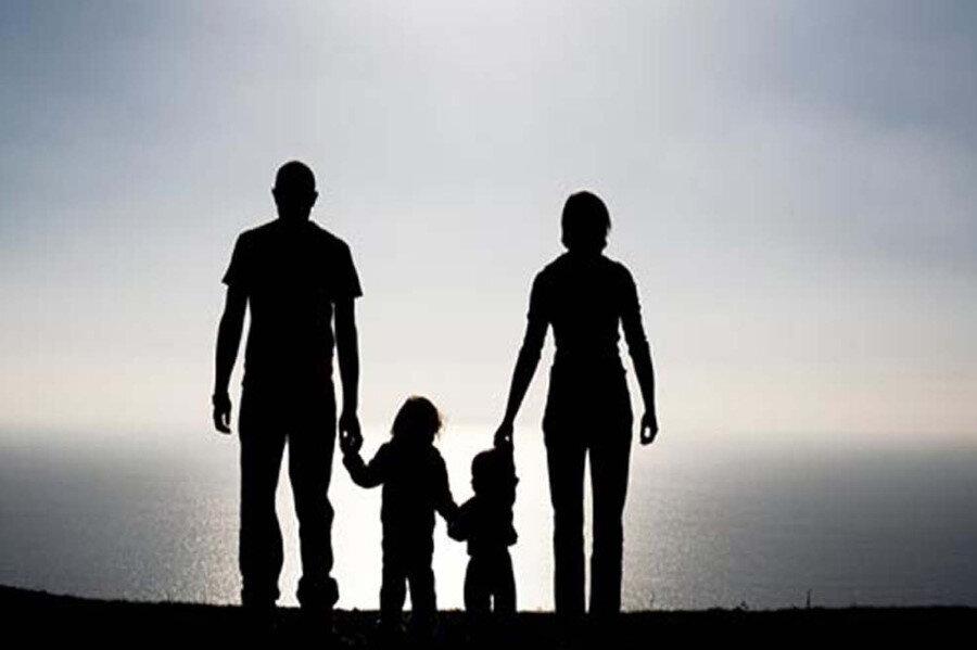 Ailenin küçülmesi ise çocuk üzerinde en çok anne babanın etken olduğu sonucunu doğuruyor.