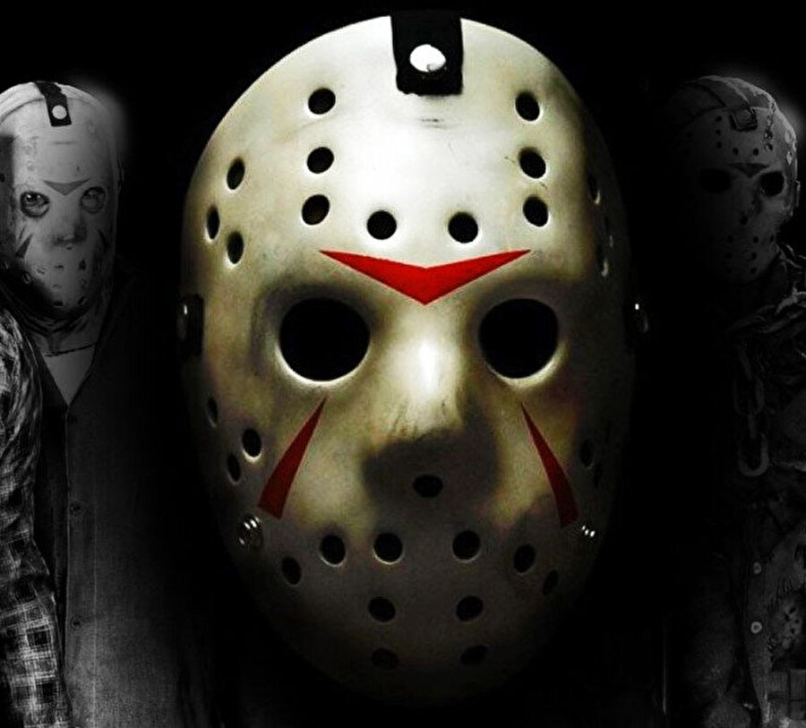 """""""Bu Katil Jason'ın maskesi, hani 13. Cuma'nın kahramanı var ya."""""""