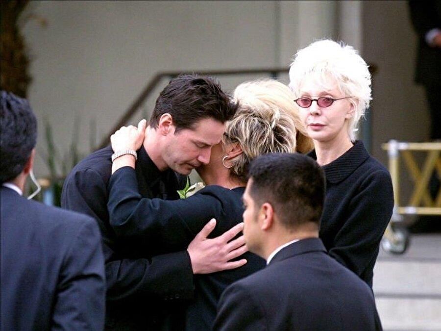 Ardından evlenmek üzere olduğu Jennifer Syme 'nin geçirdikleri trafik kazasında gözleri önünde ölümüne şahit oldu.