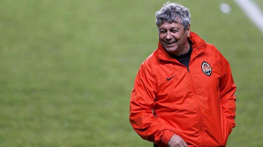 Önce hoca sonra oyuncu Geçen yıl 4. yıldız hedefine ulaşan, bu sezona şampiyonluk apoletiyle başlayan Galatasaray'da işler pek de istenilen gibi gitmedi. Mustafa Denizli'nin ardından takımın başına sezon sonuna kadar Jan Olde Riekerink'i getiren Cim-Bom'un bitmeyen aşkı alevlendi. Uzun yıllardır Shakhtar Donetsk'i çalıştıran Mircea Lucescu ile görüşmek için yönetim çalışmalara başladı.