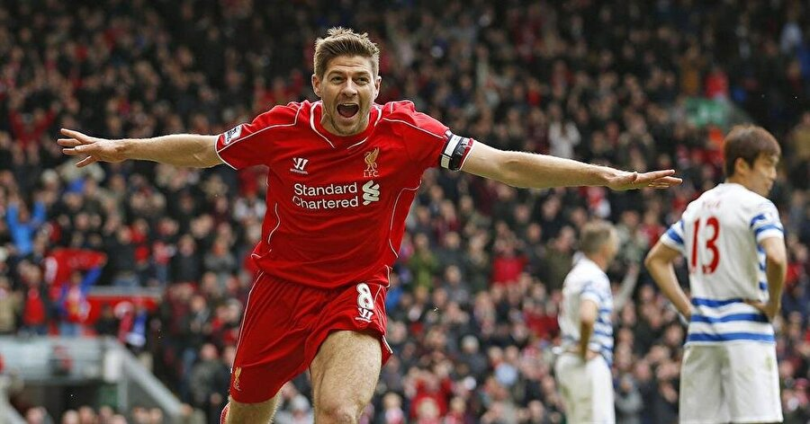 Liverpool - Steven Gerrard                                      Geçtiğimiz sezon Liverpool'dan ayrılıp Los Angelas Galaxy'nin yolunu tutan Gerrad, Ada ekibinde oynadığı seneler boyunca futbol tarihine adını altın harflerle yazdırdı. 1998-2015 yıllarında Gerrad, çıktığı 504 maçta 120 kez meşin yuvarlağı ağlarla buluşturdu. Gerrad halen kariyerine ABD'de devam ediyor.