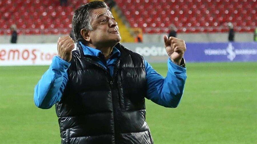 Fenerbahçe'ye 'Evet' dedi Ali Şen'in Fenerbahçe başkanı olduğu dönemde iki kez sarı-lacivertlilere 'Evet' diyen Vural'ın sevinci, yöneticilerin fikir değiştirmeleri nedeniyle yarım kaldı.