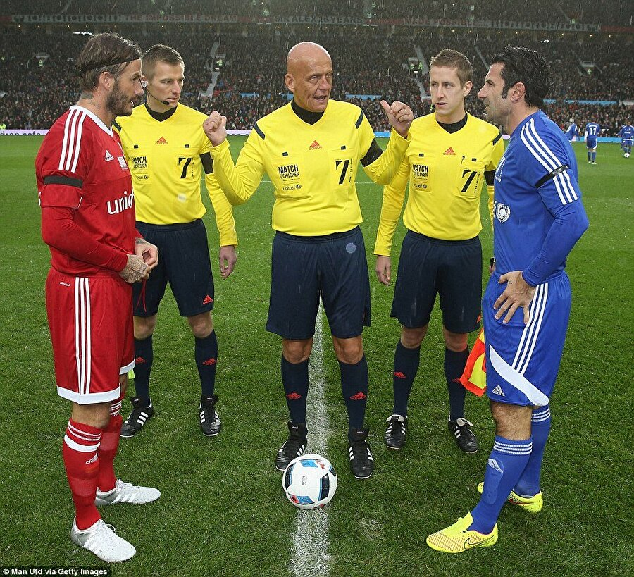 Beckham'ın yeri ayrı Hakemlik kariyerinden önce alt liglerde futbol oynayan Collina için Beckham'ın yeri çok ayrı. İtalyan futbol adamı, İngiliz futbolcunun hayranı olduğunu her defasında vurguluyor. Collina eski futbolcular Zidane, Ronaldo, Raul, Nedved ve Roberto Carlos'un da oyunculuklarını çok beğendiğini belirtiyor.