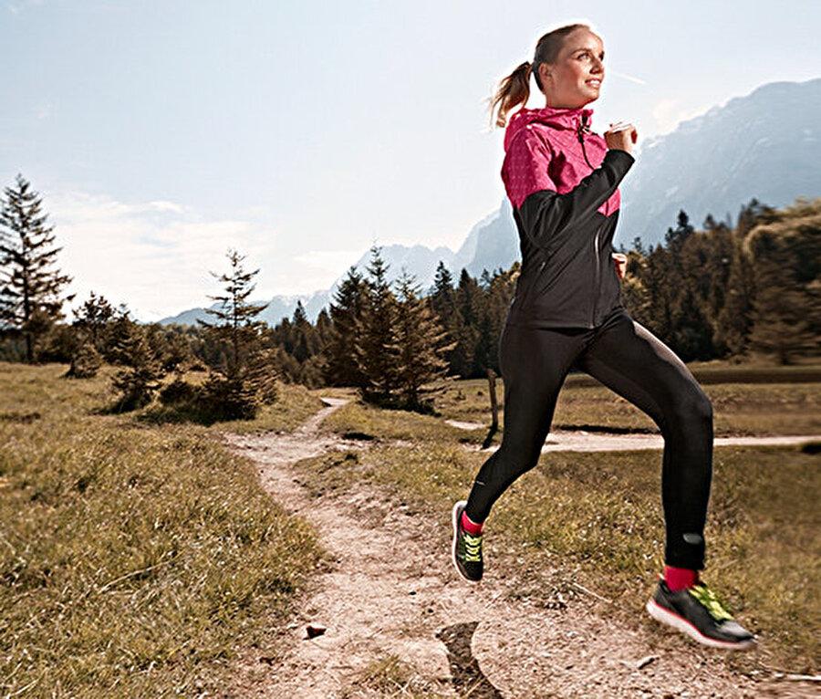 Stresli bir iş gününün ardından spor yapmak gün boyu yaşadığınız stresin yarattığı etkilerden kurtulmanıza yardımcı olur.