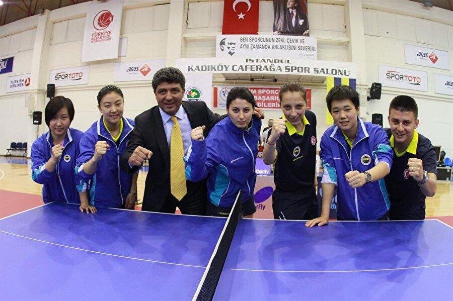 Yalnızca futbol değil Fenerbahçe futbolun yanı sıra basketbol, voleybol, yüzme, yelken, masa tenisi, atletizm ve boks branşlarında da birçok başarıya imza atmıştır.