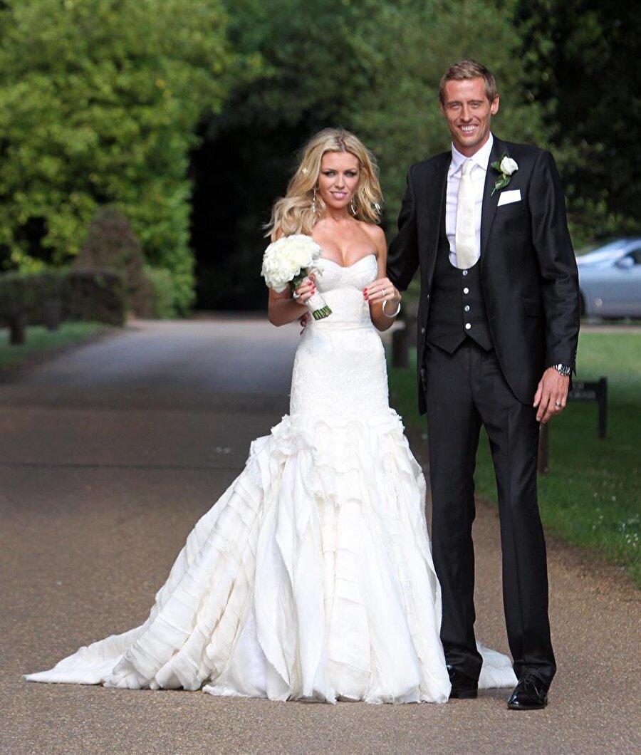 Abbey Clancy  Stoke City'nin golcü oyuncusu Peter Crouch'un eşi Abbey Clany neredeyse her maçta tribündeki yerini alıyor. 2011'de evlenen çiftin Sophia Ruby Crouch ve Liberty Rose Crouch isimli iki çocuğu var.
