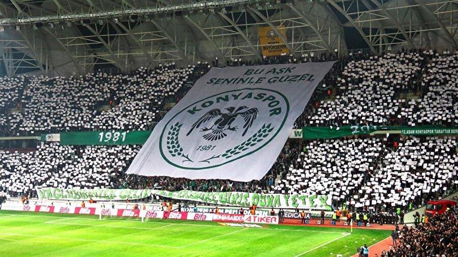 Konyaspor Konyaspor'un logosu, Anadolu Selçuklu Devleti'nin izlerini taşır. Logoda bulunan çift başlı kartal, Anadolu Selçuklu Devleti'nin sembolüdür. Ayrıca buğday sembolü de şehir için tarımın çok önemli olduğunu simgeler.