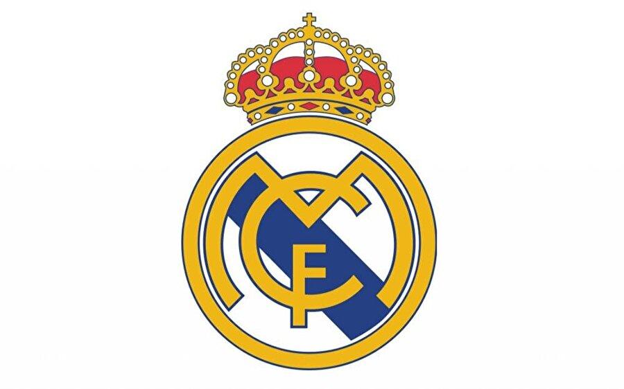 Real Madrid  Dünya futbolunun önde gelen kulüplerinden biri olan Real Madrid'in amblemi birkaç kez değişti. İlk logo son derece basitti. Armada yalnızca MCF kısaltması yer alıyordu. 1920 yılında logoya kraliyet tacı eklendi. 1931'de kraliyet tacı kaldırılmış, 1941'de taç yeniden logoya eklenmiş. 1997'de ise amblemin ortasında bulunan mor renk laciverte dönüştürüldü. 2014 yılında Müslüman ülkelerin tepkisini çekmemek için armadan haç figürü kaldırıldı.