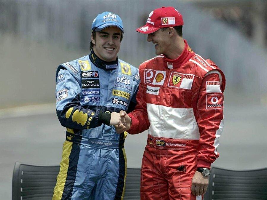 Tarihin en başarılı sporcularından                                      Toplamda yedi Formula 1 şampiyonluğu bulunan Schumacher, Ayrton Senna ile birlikte tarihin en başarılı pilotu olarak gösteriliyor.