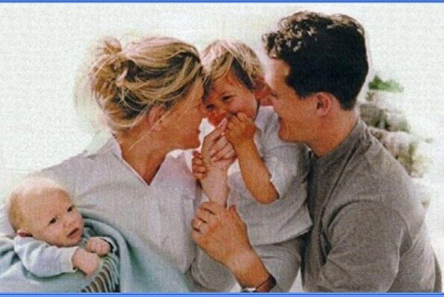 İki çocuğu var                                      Michael-Corinna Schumacher çifti 1995 yılında dünya evine girdi. Büyük bir aşkla bağlı olan çiften Mick isimli bir oğlu ve Gina-Maria adlı bir kızı var.
