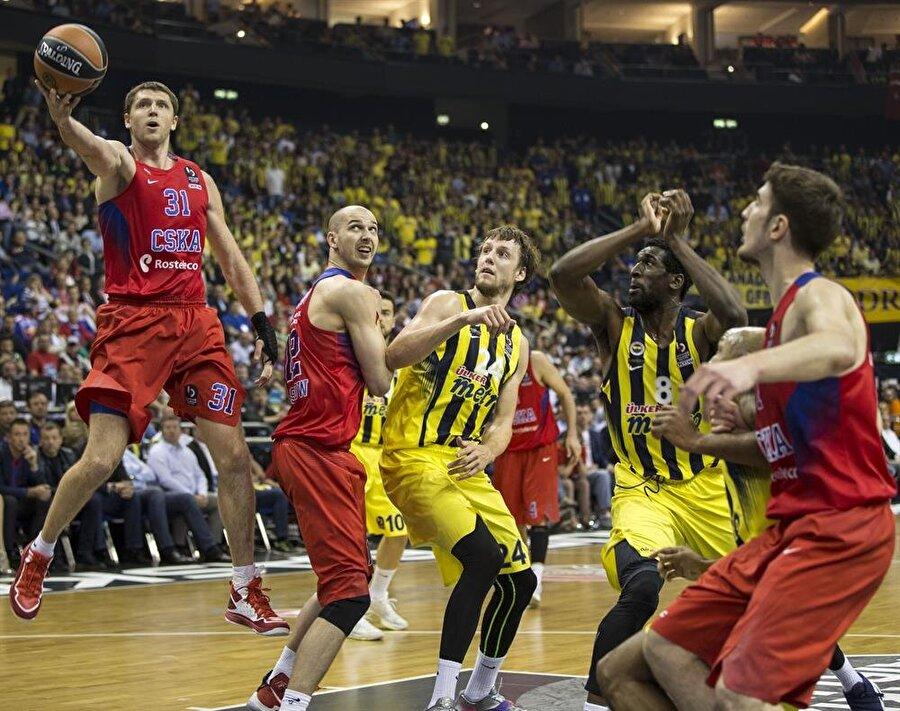 Finalin adı Fenerbahçe-CSKA Sarı-lacivertliler, finalde CSKA Moskova ile karşı karşıya geldi.